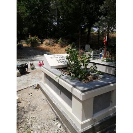 Urfa Taşı ve Bazalt Karışımı Mezar