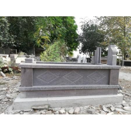 İki Kademeli Baklava Modelli mezar