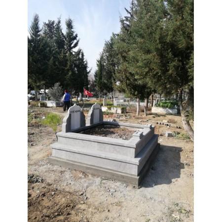 İki Kademeli Aile Mezarı